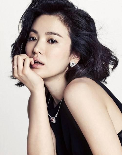 Actress Hye-kyo Song - age: 36