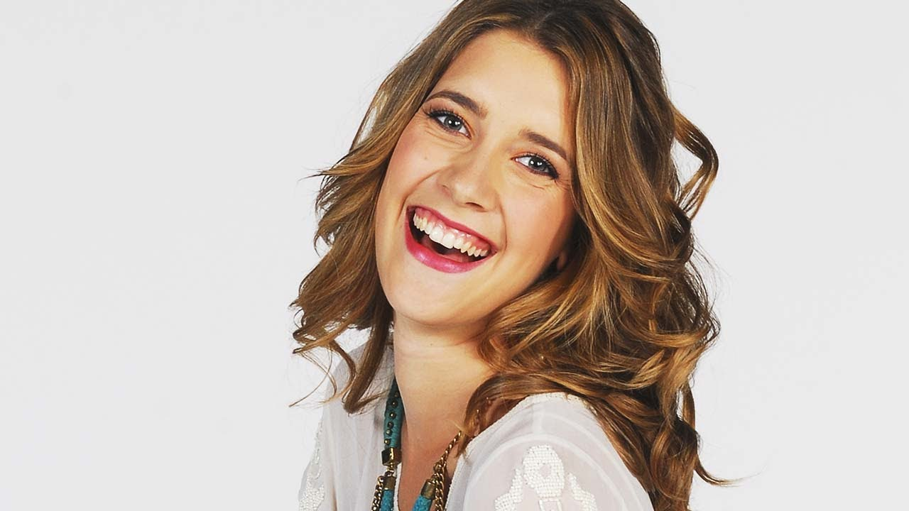 Actress, singer, TV hostess, Model Maria Clara Alonso - age: 30