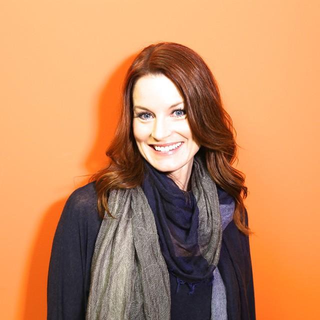 Actress Laura Leighton - age: 53