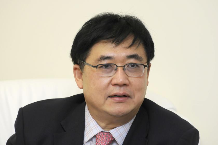 Educator Pornchai Mongkhonvanit - age: 62