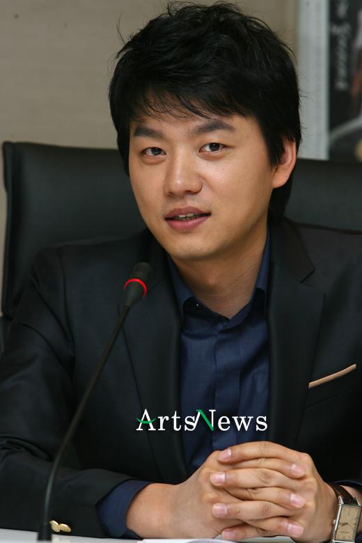 Actor Kim Seung- soo - age: 47