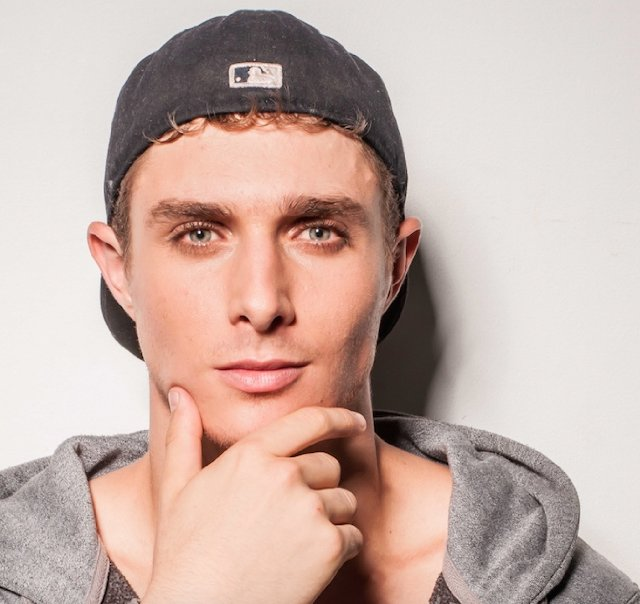 Actor Alex Cubis - age: 25