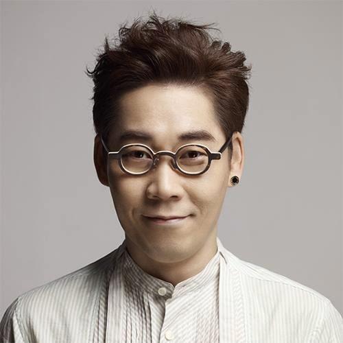 Singer Kim Yeon-woo - age: 50