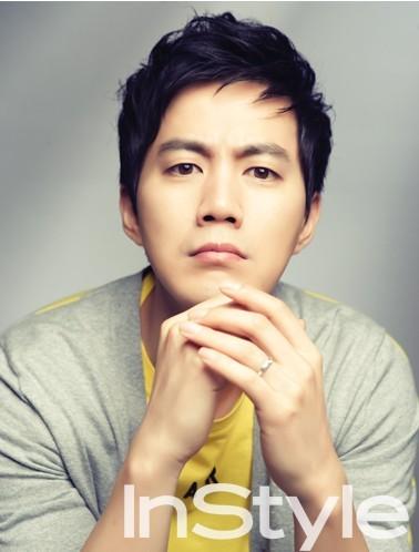Actor Jin Ryu - age: 45