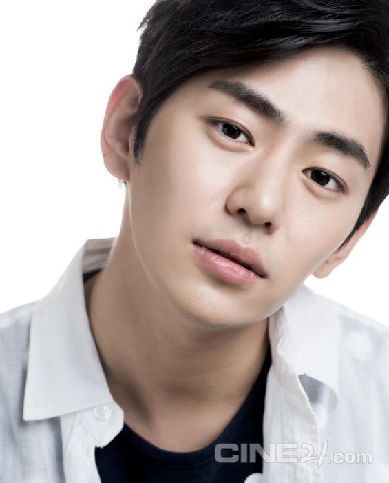 Actor Ahn Yong-joon - age: 30