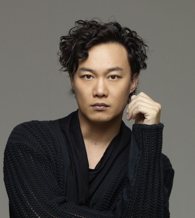 Singer Eason Chan - age: 43