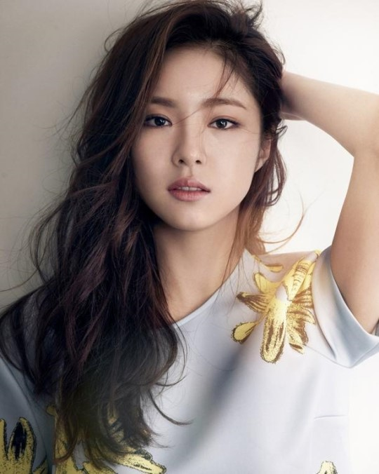 Actress Se-Kyung Shin - age: 30