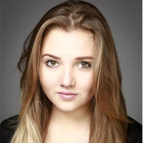 Actress Mia Mckenna-Bruce - age: 20