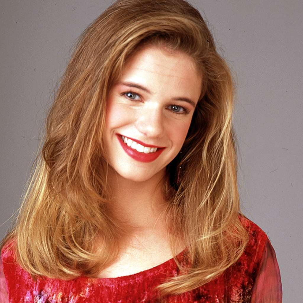 Actress Andrea Barber - age: 45