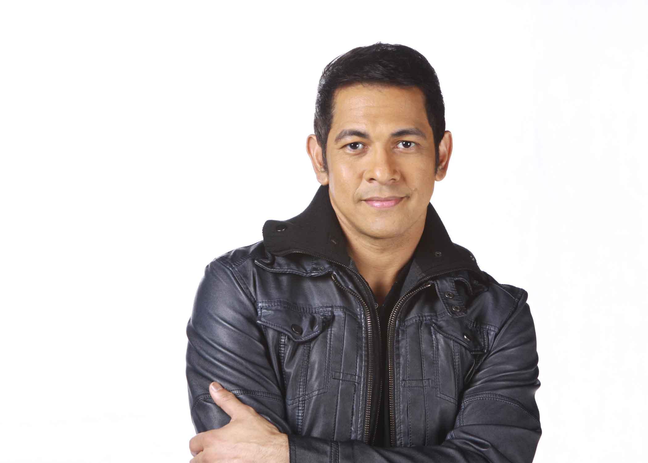 Musician Gary Valenciano - age: 56