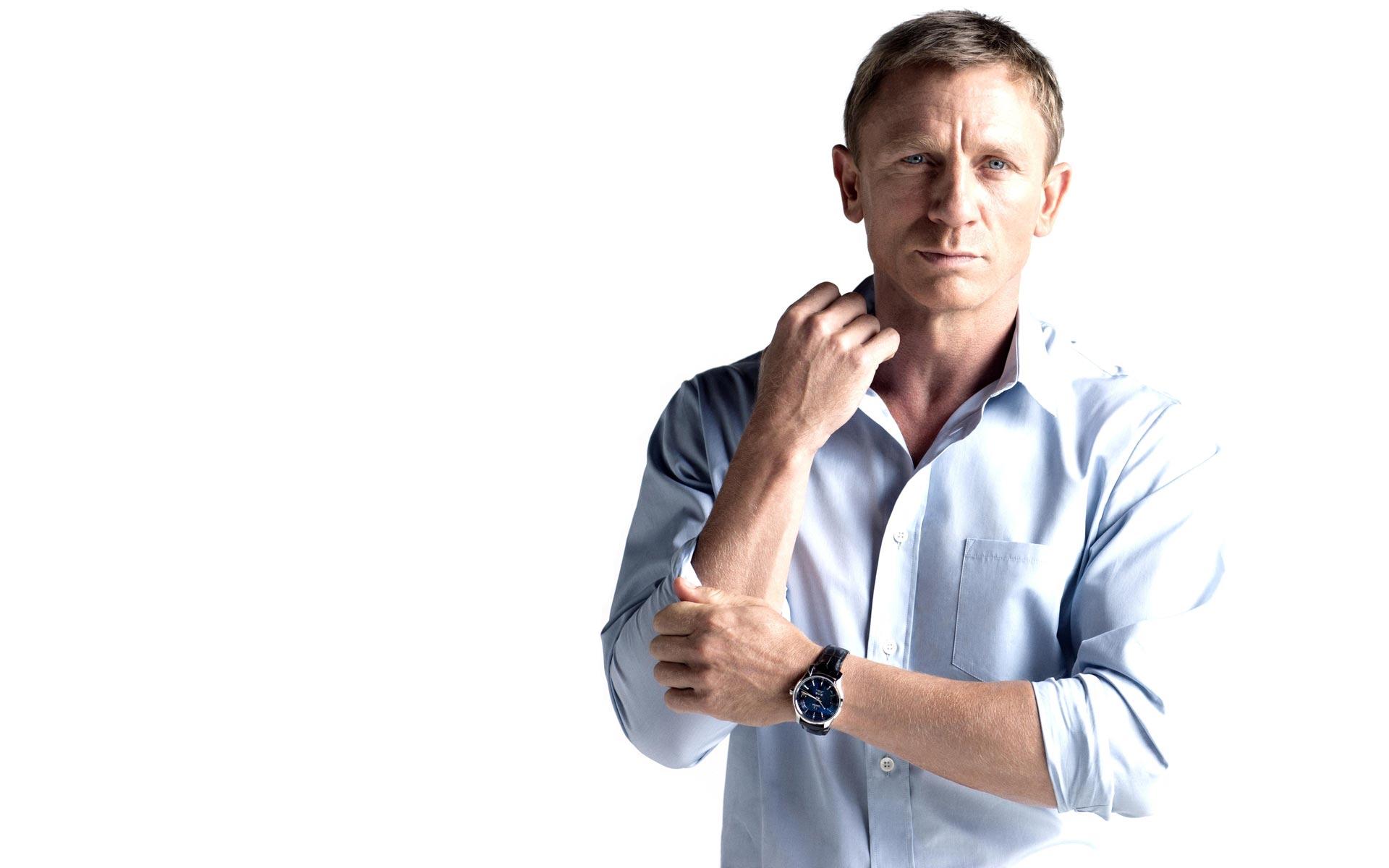 Actor Daniel Craig - age: 52