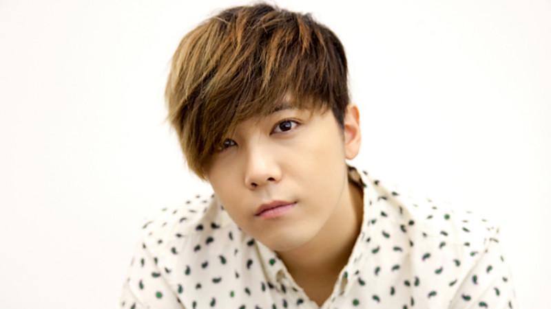 Singer Lee Hong-gi - age: 30