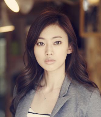 Actress Lee Sa-bi - age: 40