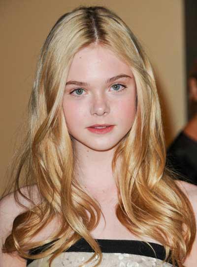 Actress Elle Fanning - age: 19