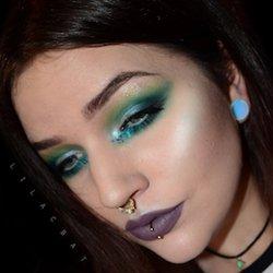 Makeup Artist Sandra Walter - age: 22