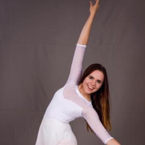 Dancer Laulie - age: 19