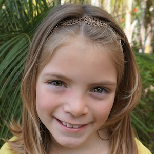 Youtube star Addison Wallace - age: 9