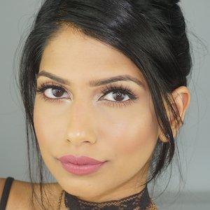 Youtube star Arshia Moorjani - age: 29