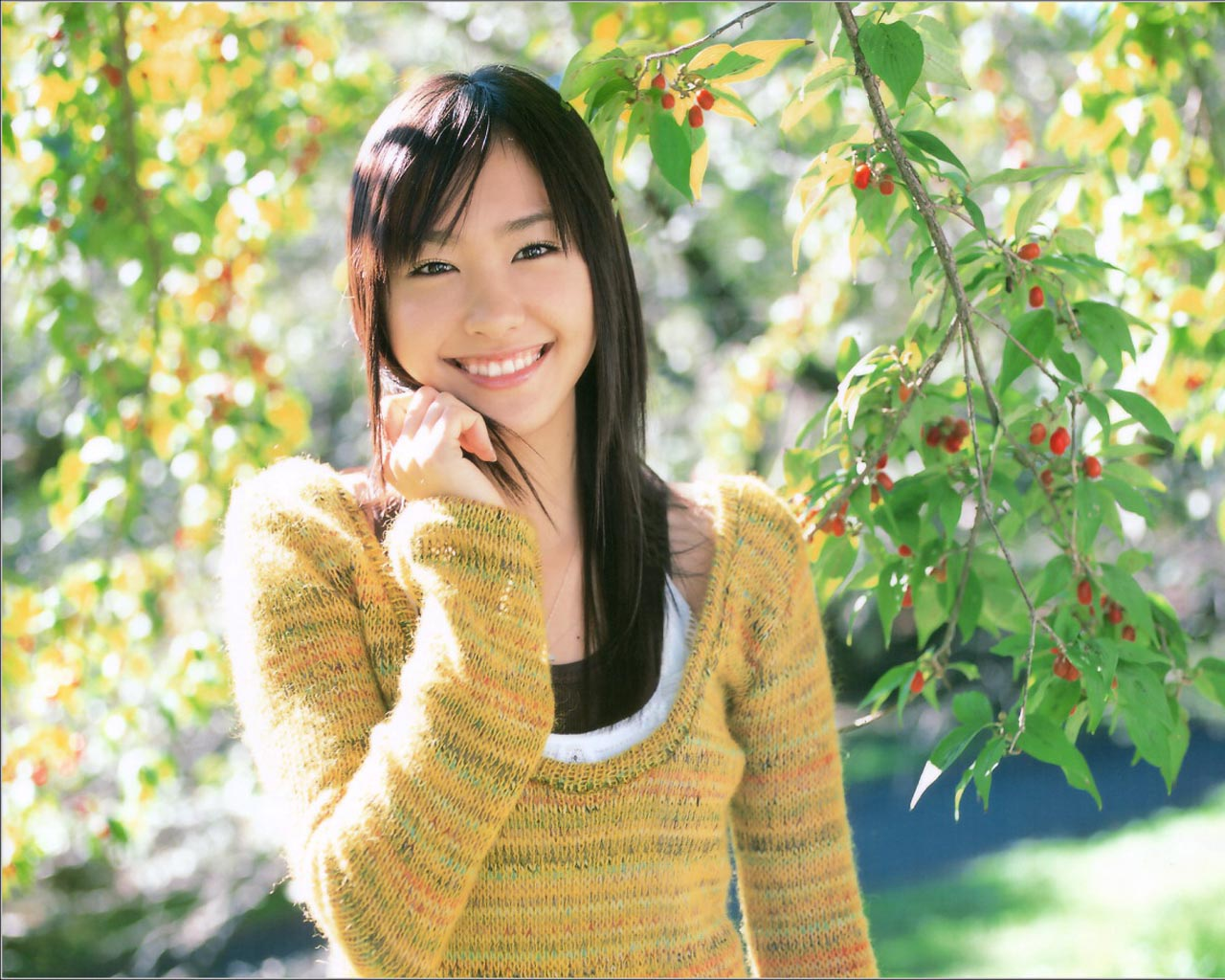 Movie actress Yui Aragaki - age: 32