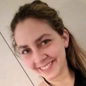 Blogger Tessa Smith - age: 36