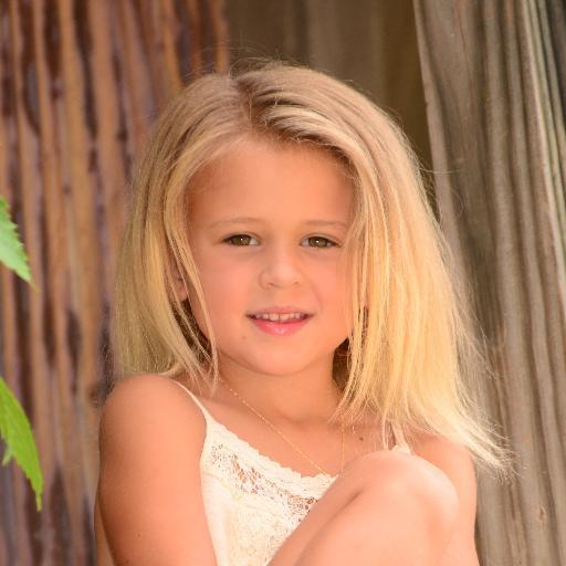 web video star Skylynn Floyd - age: 8