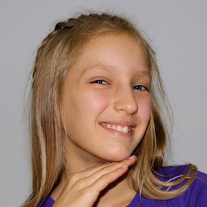Youtube star GamerGirl - age: 13