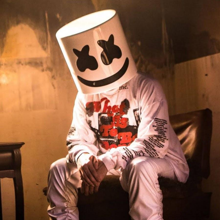 DJ Marshmello - age: 29